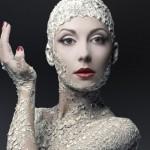 Белая глина восстанавливает окрашенные волосы