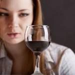 Женский алкоголизм: его особенности и лечение